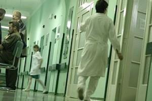 Obsada pielęgniarska w szpitalach: projekt, który ponownie wzniecił dyskusję