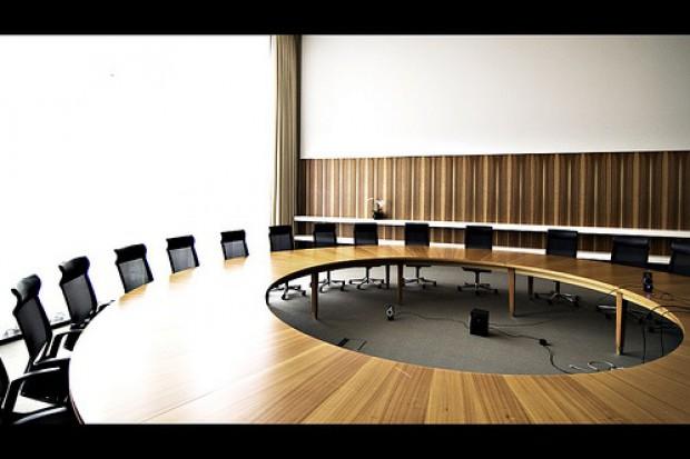 """Przy """"okrągłym stole"""" o kompetencjach MZ i NFZ"""
