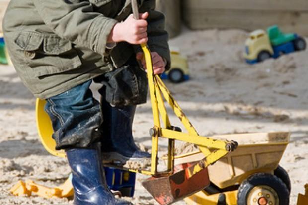 Płock: sanepid apeluje o przykrywanie piaskownic