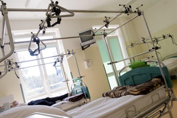 Kraków: protezoplastyka stawów dla chorych na hemofilię