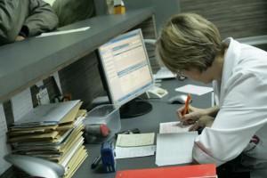 Dowód osobisty zamiast karty: e-Zdrowie wyjdzie nowemu rządowi bokiem?