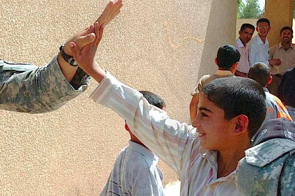 Irak: coraz więcej chorych dzieci po bombardowaniach