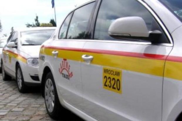 Wrocław: taksówkarze pomagają hospicjum