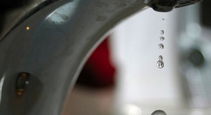 Łódzkie: zakaz picia wody z kranu w Sieradzu i Zduńskiej Woli