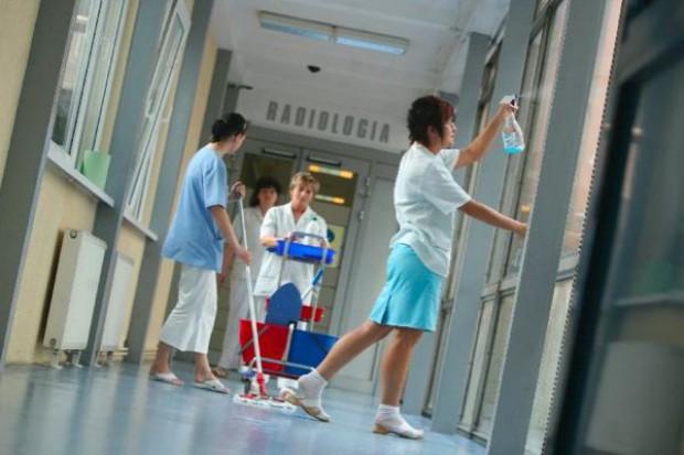 Katowice: sanepid w klinice na wniosek rodziny pacjenta