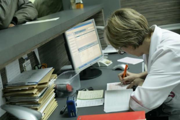 Śląskie: papier cierpliwy - a pacjent?