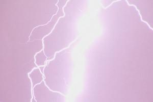 Karwieńskie Błota: piorun poraził trzy osoby na plaży