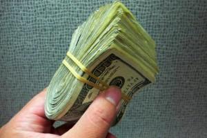 Mikrobiolodzy: pieniądze nie są aż tak brudne...