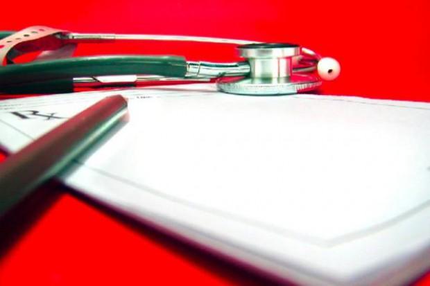 Podlaskie: NFZ karze lekarzy POZ za niezasadne porady