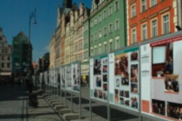 Wrocław: 60-lecie Akademii Medycznej