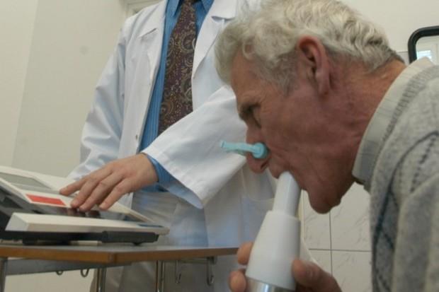 Posłowie przechodzą badania spirometryczne