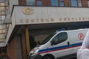 MZ: powołano zespół mający przygotować reorganizację Centrum Onkologii w Warszawie