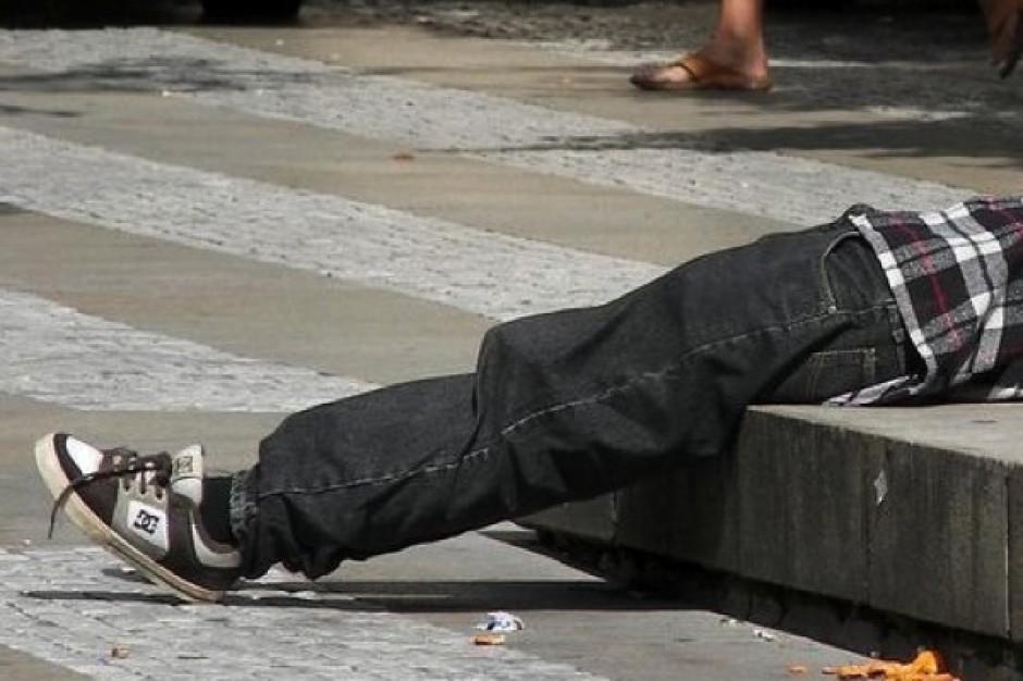 Toksykolog: po zażyciu dopalaczy dochodziło do samookaleczeń