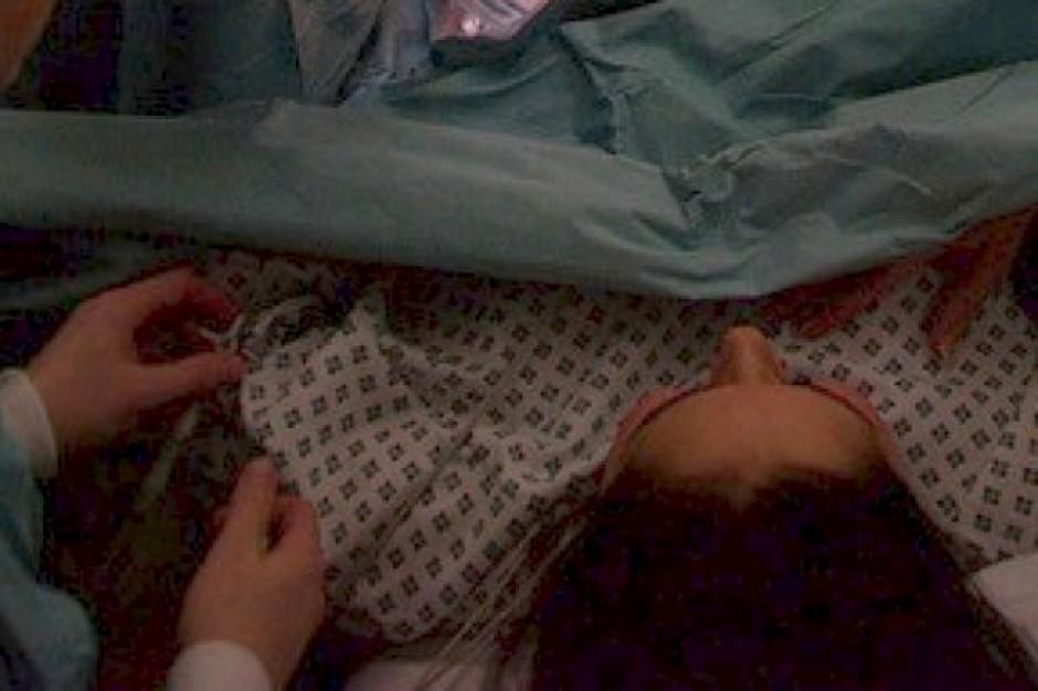Szpitale wstrzymują wykonywanie znieczuleń przy porodzie