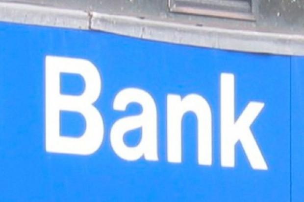Polisy zdrowotne proponują także banki