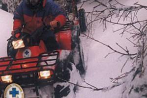 Nietypowa akcja policji i GOPR: ślady bosych stóp na śniegu w Beskidach