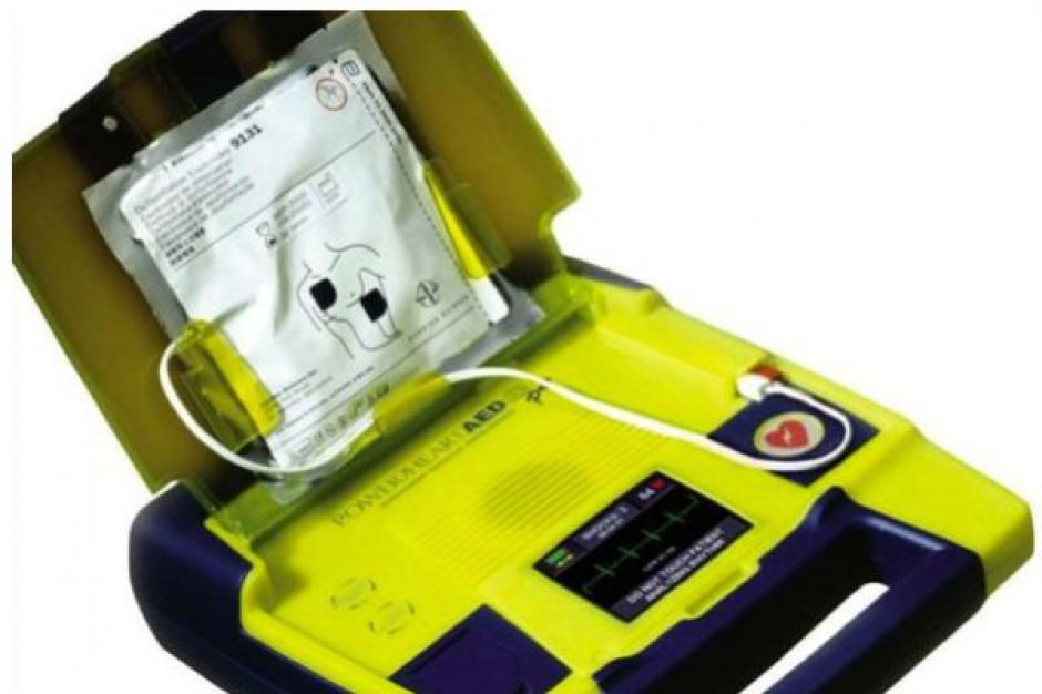 Radom: w magistracie udostępniono defibrylator
