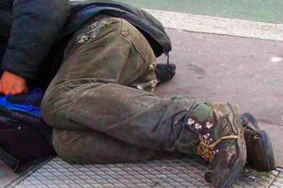 Śląsk: bezdomny miał we krwi 10,24 promila alkoholu; przeżył