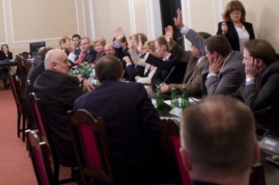 Sejm: podkomisja za opłatą od obrotu lekami refundowanymi