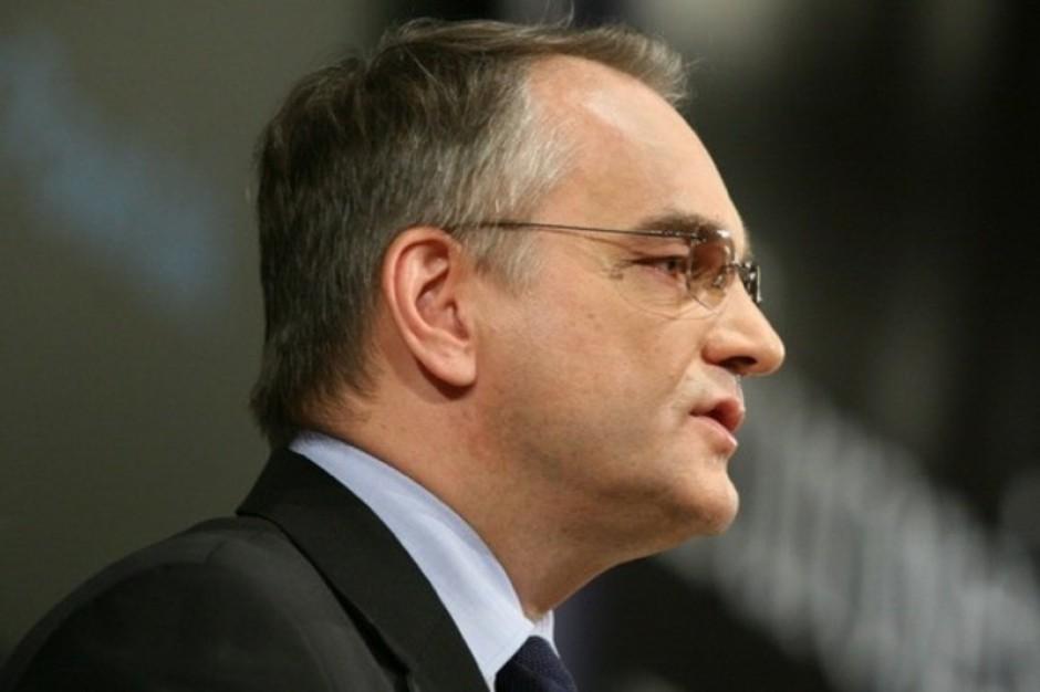 Waldemar Pawlak zapowiada: dowód osobisty zamiast druku RMUA