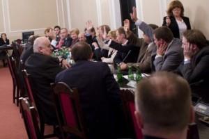 Sejm: przedłużanie prac komisji zdrowia niezgodne z kodeksem pracy?
