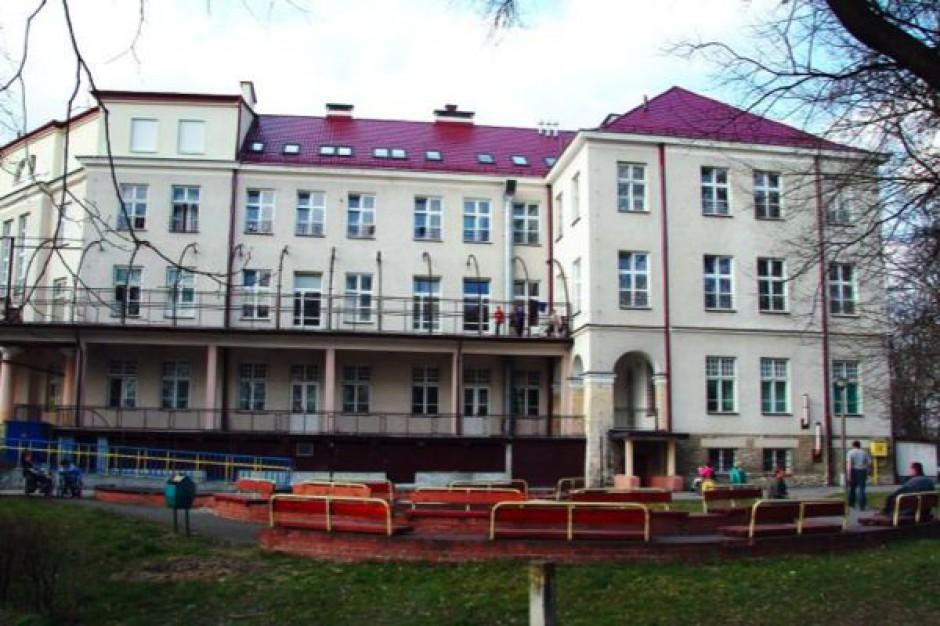 Busko Zdrój: szpital dziecięcy musi leczyć... dorosłych
