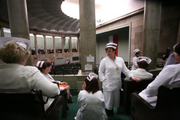 Pielęgniarki z OZZPiP: będziemy kontynuowały głodówkę w Sejmie