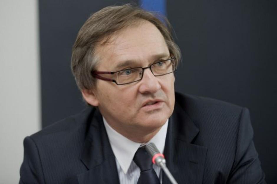 Prezes NRL: jestem przeciw zakazowi zatrudniania na kontraktach
