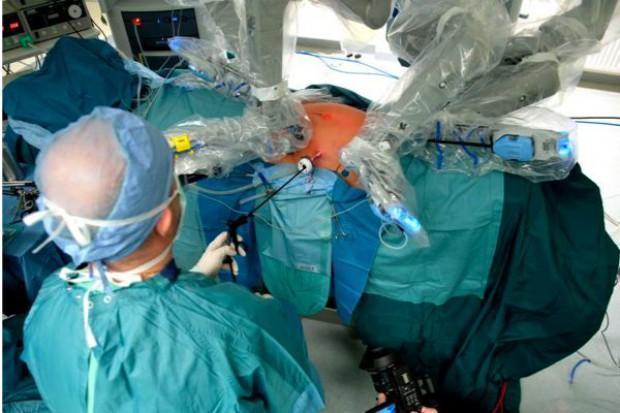 Wrocław: chirurgia naczyniowa przy użyciu robota da Vinci