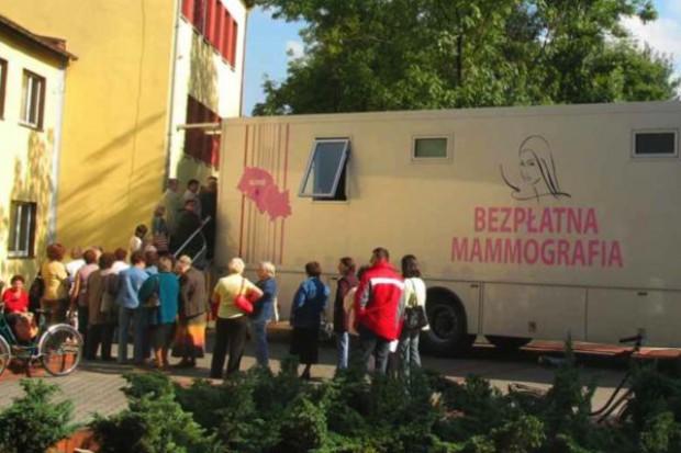 Śląskie: mieszkanki Radzionkowa zbadają się w mammobusie
