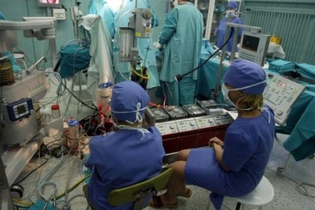 Włochy: operacja na otwartym sercu uratowała życie stulatka
