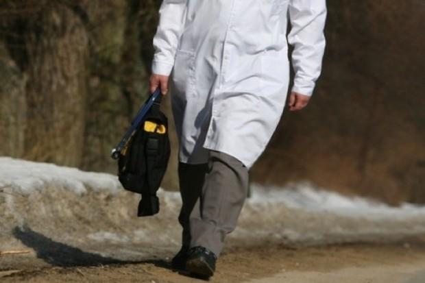 Olsztyn: studenci medycyny uroczyście włożyli białe fartuchy