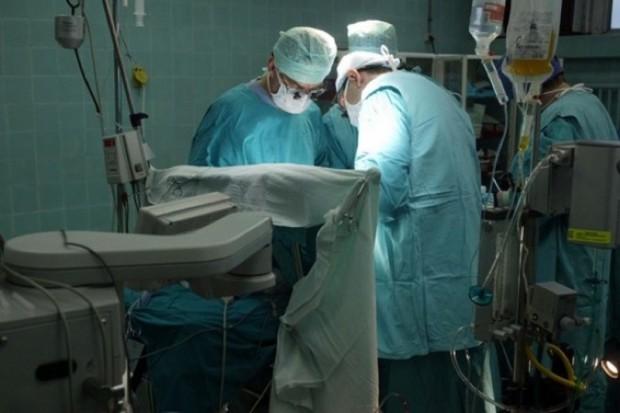 Tarnów: po czterech dniach od operacji kręgosłupa wyszedł ze szpitala