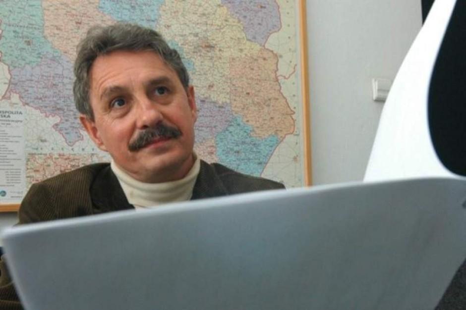 Jako dyrektor kieruje Instytutem Reumatologii, jako minister nadzoruje (siebie)