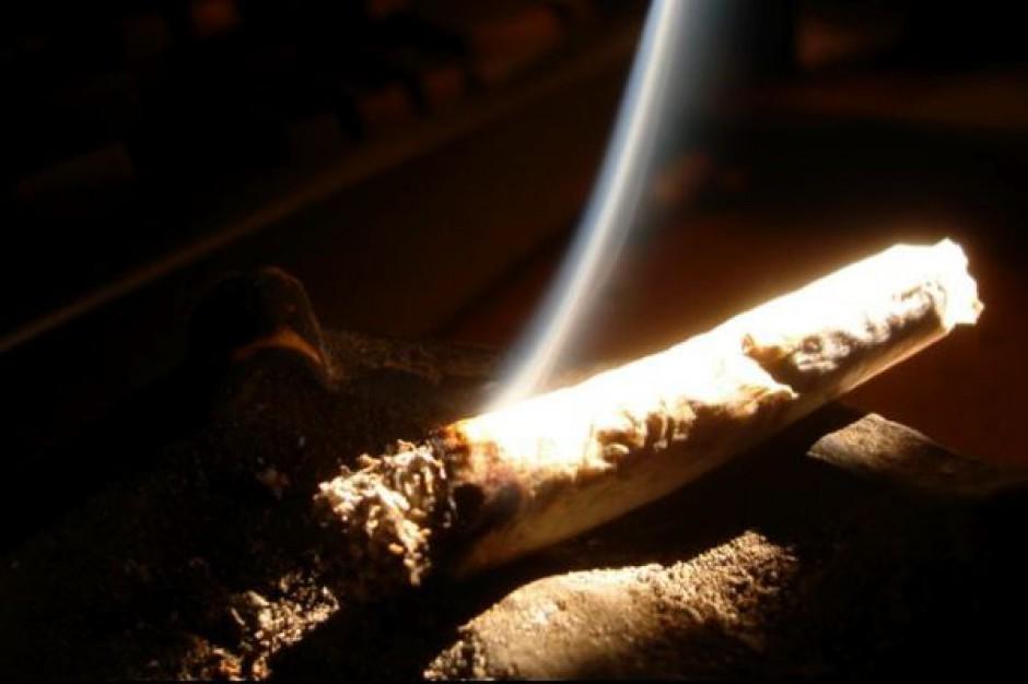 Eksperci: młodzież sięga po narkotyki sporadycznie, spada konsumpcja