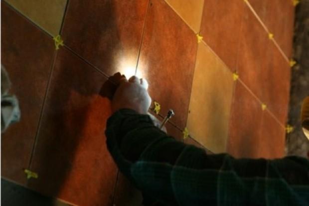 Ostróda: wolontariusze malują mieszkania samotnych i chorych