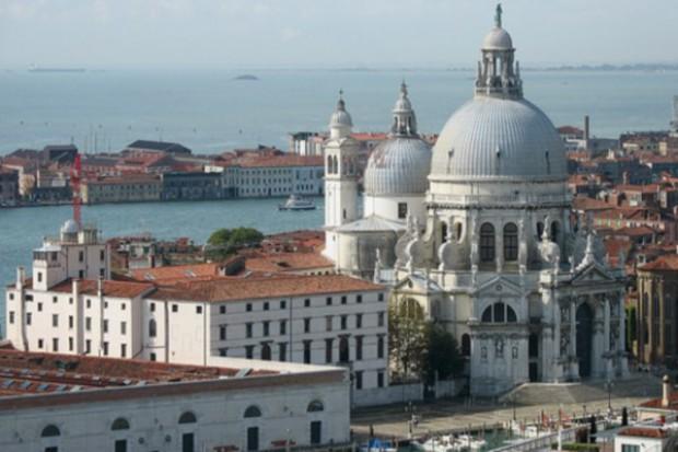 Wenecja: wodny ambulans oraz punkt pogotowia ratunkowego dla turystów