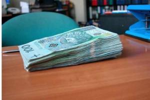Szpitale potrzebują więcej pieniędzy na spłatę zobowiązań