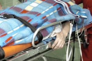 Lublin: kto ma pomóc nieprzytomnemu, który leży przed szpitalem?