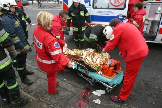 Łódzkie: cztery osoby ranne w wypadku karetki pogotowia