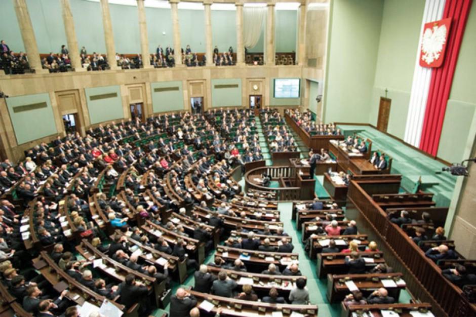 Sejm: rzecznicy ubezpieczonych i praw pacjenta muszą być bezpartyjni