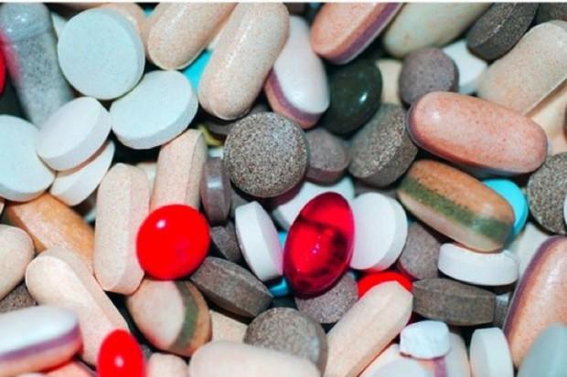 Rośnie sprzedaż leków bez recepty i suplementów diety