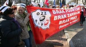 Pielęgniarki i położne zakończyły protest, jutro podejmą decyzję co dalej