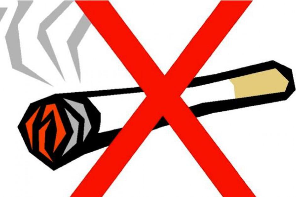 Dyrektorzy szpitali szukają sposobu na wyegzekwowanie zakazu palenia