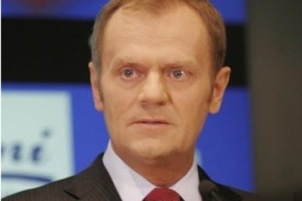 Tusk: zajęcie konta bankowego NFZ przez komornika niczym zdrożnym