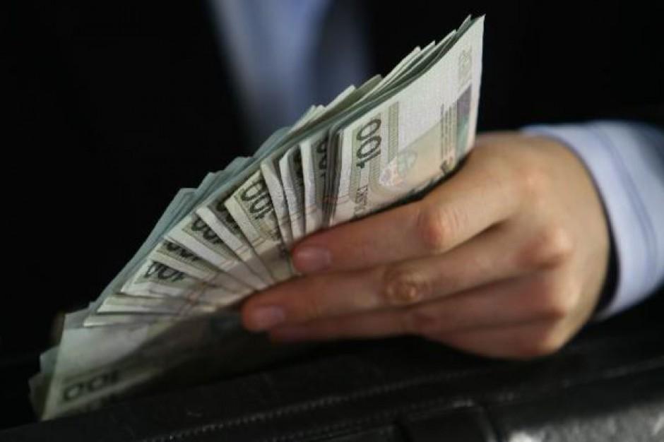 Małopolska: zarząd otworzył worek z nagrodami