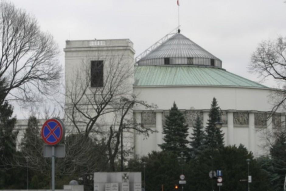 Lista lekarzy i przedstawicieli innych zawodów medycznych wybranych do Sejmu i Senatu