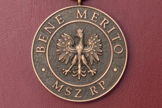 W. Brytania: rektor Cambridge, immunolog, otrzymał polski medal