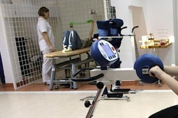 Kraków: skonstruowany na AGH robot pomoże w rehabilitacji chorych