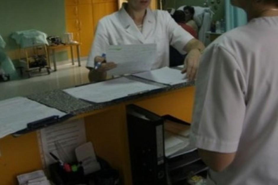 Ubezpieczenie pacjenta zweryfikuje recepcjonistka, a nie lekarz